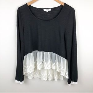 Umgee Black White Mixed Media Lace Hemline Blouse